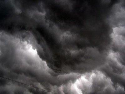 nuvens negras